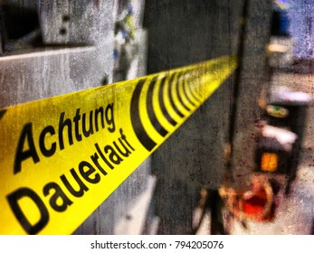 Caution jog in progress in german language