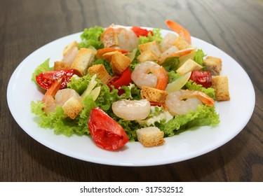 Ceasar salad with shrimps