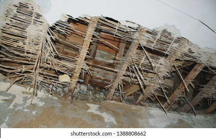 Ceiling collapse ( earthquake - decay )