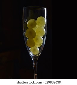 CELEBRATION OF THE NEW YEAR, TRADITION OF TWELVE GRAPES OF LUCK