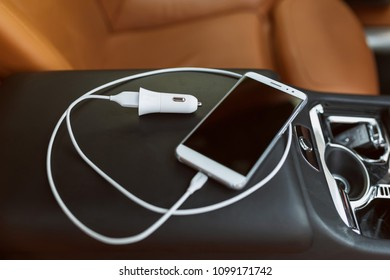 Cellphone car charger