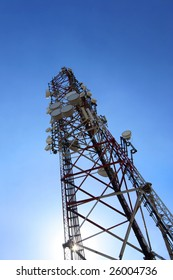 cellular tower with microwave transmitters