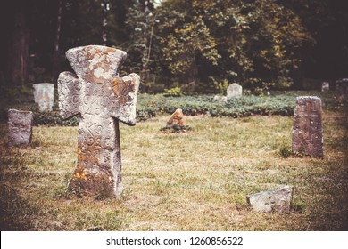 cemetery grave old jewish historical abandoned stone gravestones cross tragedy holocaust christian inscriptions on gravestones dead people germany usa
