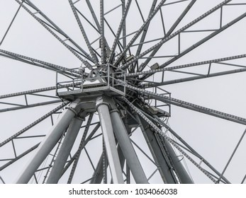 Central part ferris wheel medium shot concept engineering
