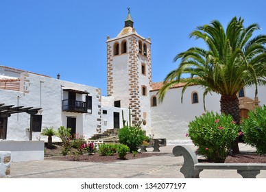 Central square with church in Betancuria village on Fuerteventura Island. Canary, Spain