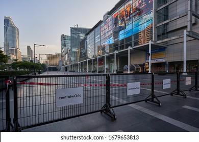 Central World Bangkok, Thailand 22/03/2020. Coronavirus Covid-19: The Shutdown of shopping malls, restaurants, markets make Bangkok people stay at home.