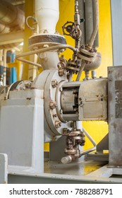 Centrifugal liquid transfer pump drive by electric motor, the pump for transfer liquid condensate crude oil to gas stabilizer system on offshore oil and gas central facility.