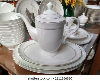 Ceramic dishes, kettle