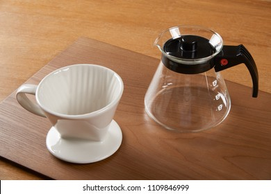 ceramic hand drip coffee brewer (dripper) and glass server (carafe)