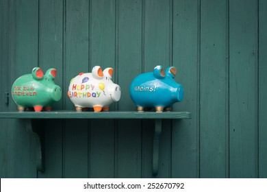 Ceramic Pig saving for home decoration