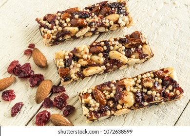 Cereal Bars with nuts,cranberry and macadamia