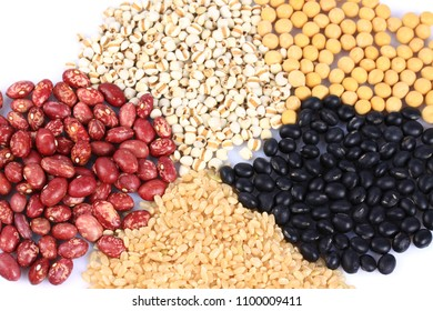 Cereal grains ,seeds,Black rice, barley, soybeans, kidney beans, brown rice and red bean. isolated on white background.