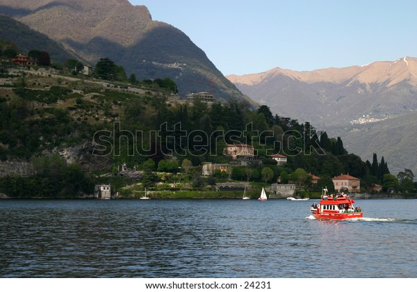 Cernobbio and red boat