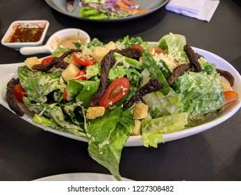 Cesar Salad with crunchy beef