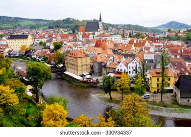 Cesky Krumlov oldtown city and river in Autumn