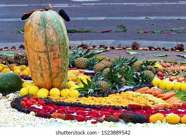Chacana or Ceremony in homage to Pachamama (Mother Earth) is aboriginal ritual of the indigenous peoples of Ecuador. Bean, corn, fruit, banana, pineapple, orange, mango, carrot, nut, babaco, pumpkin