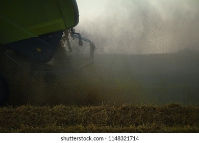 Chaff distributor of a harvester on a corn field