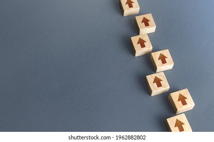 Chain of blocks of unidirectional arrows. Consistency and focus. Concept of conformism, vertical of power. Unchanging course of development. Following canons and traditions. Building a solid strategy.