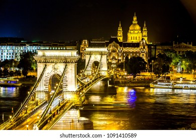 Chain Bridge in Budapest at night, Hungary