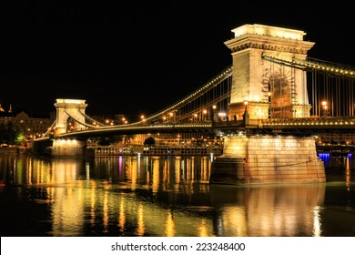 Chain Bridge, Budapest. Night view