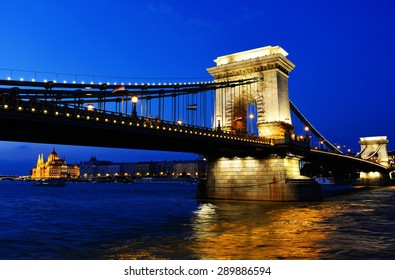 Chain Bridge and Hungarian Parliament Building on the bank of the Danube in Budapest by night