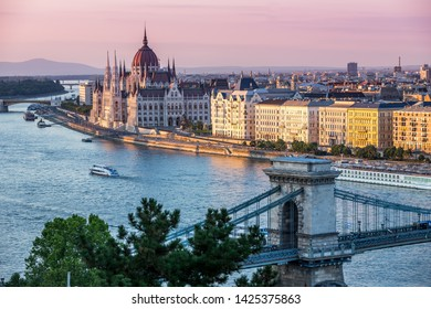 Chain Bridge and Parliament in Budapest at sunset, Hungary