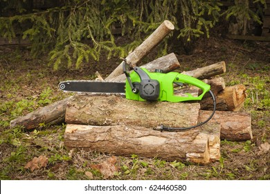 The chain electric saw .