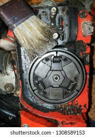 chain saw cleaning