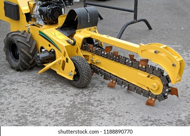 Chain Trencher Dig Machine Construction Site Equipment