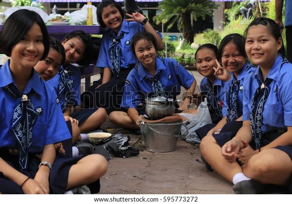 Escort girls Chainat