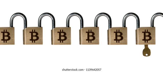 Chained set of locks with key linked into a chain to ilustrate the concept of a majority attack on Blockchain and Bitcoin