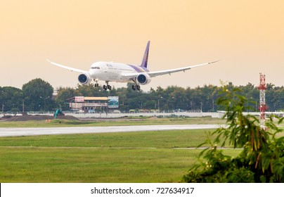 Chaing Mai Thailand 23 Sep 17 : The new Boeing 787-9 Dreamliner of Thai airways which opearated on first commercial flight TG110 from BKK to CNX was descending to land in Chaing Mai airport.