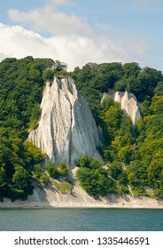 Chalk Cliffs with Koenigsstuhl, King's seat of Ruegen, nationalpark Jasmund, Rugia, Mecklenburg-Western Pomerania, Germany