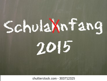 Chalkboard with the German word Back to School and the year number 2015 / Back to school