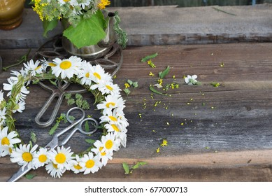 chamomile flowers, beautiful flowers over wood background