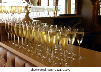 champagne drinks in champagne glasses