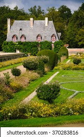 The Chancellery is located in the beautiful formal garden at famous Chenonceau castle in the loire region of france. It attracks every year many visitors.