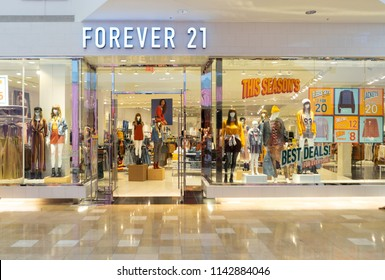 Chandler,Az/USA - 7.24.18: Forever 21 was founded in 1984, in Los Angeles,CA, offering on on-trend fashion, it now has more than 35,000 employees and 600 stores worldwide.
