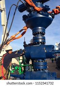 Changing out Packing on a Frac Valve