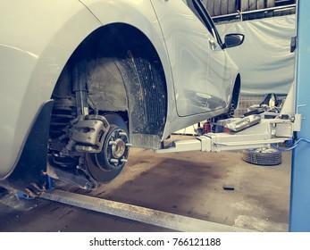 Changing tytes automobile repair shop.