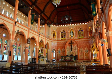 CHANTABURI, THAILAND - 9 NOVEMBER 2014 : Catholic church of Maephra Patisonti Niramon located in Chantaburi province, Thailand. This is an iconic of Chantaburi  built by Vietnamese with French Style