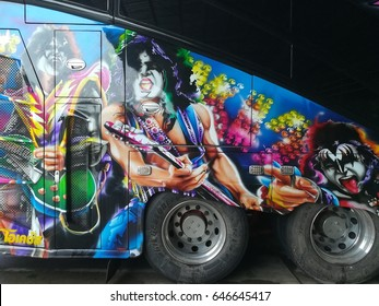 CHANTHABURI, THAILAND - CIRCA MAY, 2017 :Tourism bus and full color paint around it , THAILAND