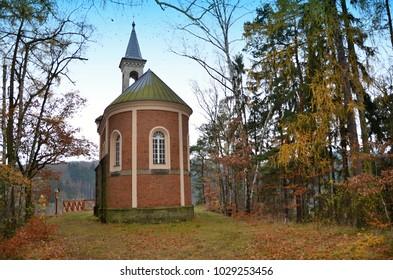 Chapel of St. Anne - Mattoni Kyselka Historic building built on the outskirts near Kyselka
