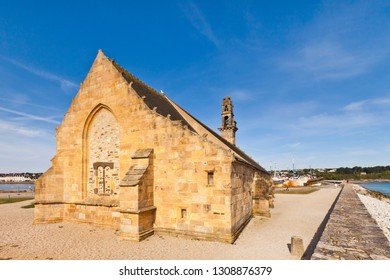 The Chapelle Notre-Dame de Rocamadour, on the harbour bar at Camaret-sur-Mer on the Crozon Peninsula, Finistere,Brittany,France.
