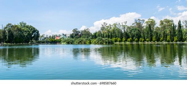 Chapultepec Lake - Sunny day