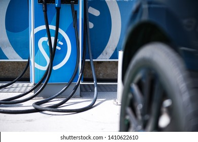 Charging the Modern E - Automobile