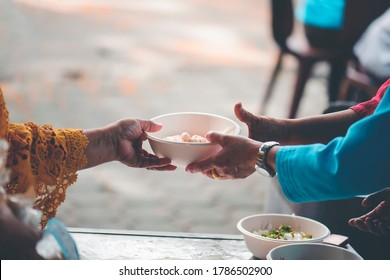 Charity food for the poor and the homeless : The concept of Sharing food to the poor