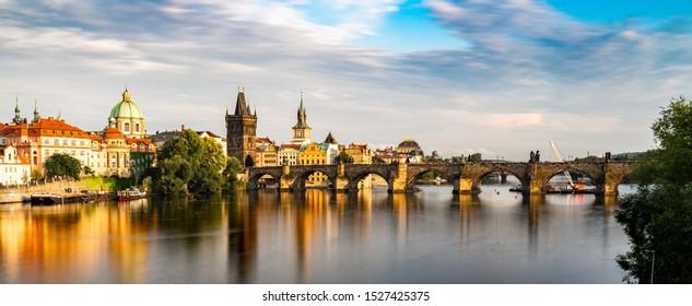 Charles Bridge Prague en la República Checa