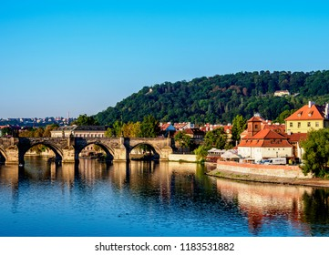 Charles Bridge and Vltava River, Mala Strana, Prague, Bohemia Region, Czech Republic