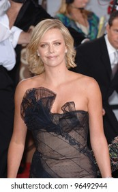 CHARLIZE THERON at the 63rd Annual Golden Globe Awards at the Beverly Hilton Hotel. January 16, 2006  Beverly Hills, CA  2006 Paul Smith / Featureflash